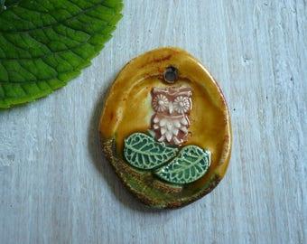 ciondolo con gufo in ceramica - pendente civetta - pendente amante natura - ciondolo collana - gioielli autunno - arte ceramica - ceramica
