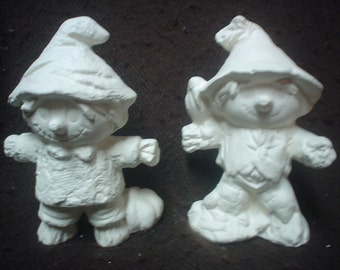 """TWO Ceramic Bisque 4"""" Scarecrows - Ready to Paint - C522"""