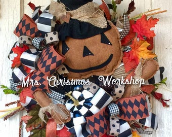 Halloween wreath, pumpkin wreath, witch wreath, primitive wreath, Burlap wreath, fall wreath, black and white, deco mesh wreath