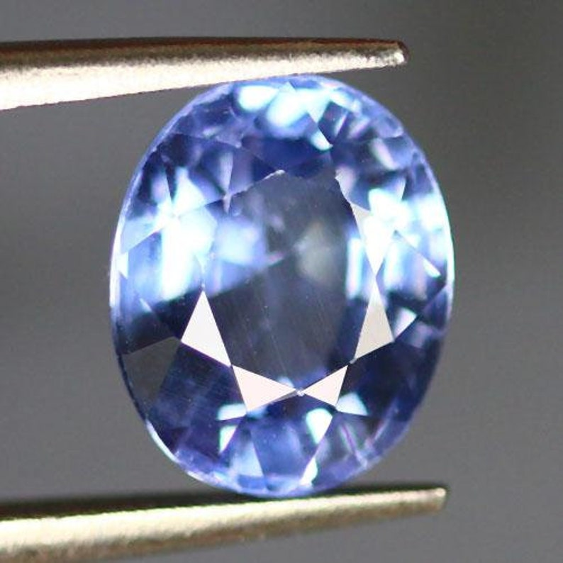Oval Shape Bryllium Treated-From Sri Lanka 2.55 Cts Transparent Natural Diffusion Blue Sapphire