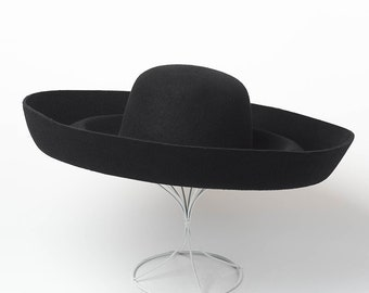 fc2c46189b5f3 Retro fashion wave big eaves woolen hat stage show style felt large brim hat