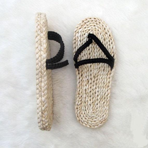 Straw sandals hand woven Men's slippers Summer sandals flip flops women slippers Woman summer slippers big yards