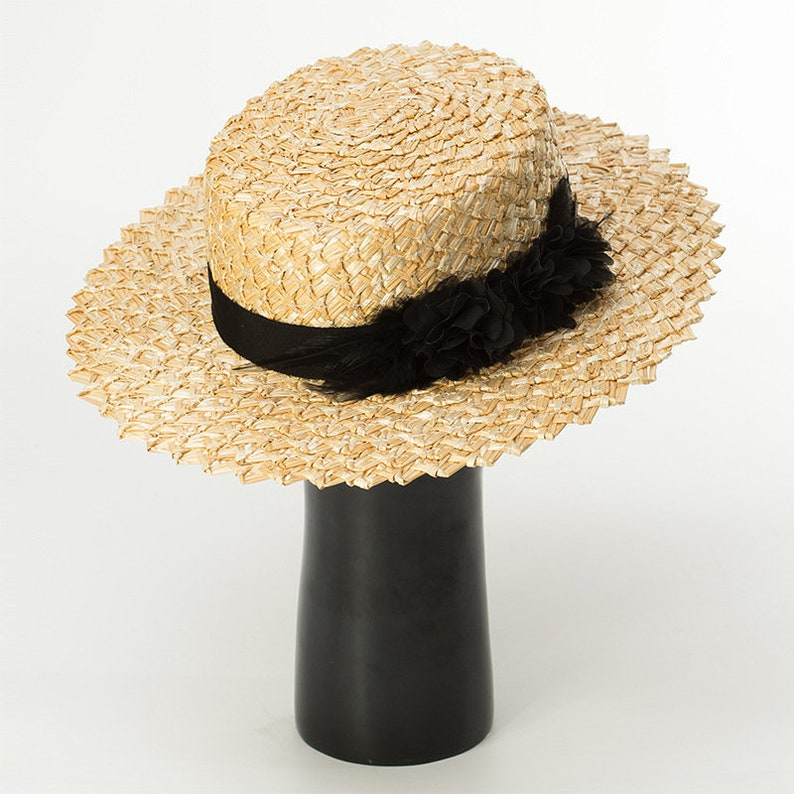 e5d5107fed1 Feather flowers decorated with lace straw straw straw hat top