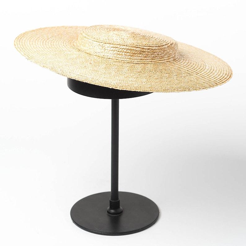0d7b1bab036ae1 Light flat top fine straw straw hat with elegant and elegant | Etsy