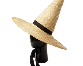 Elegant, pointed, potted straw hat, wizard hat, wizard hat, sun hat