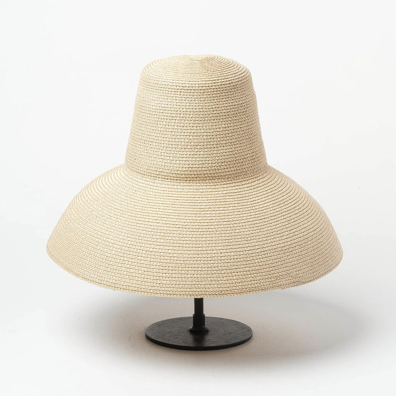 Retro high top hat with large eaves papyri hat stage show concave shape sun shade sun protection beach straw hat
