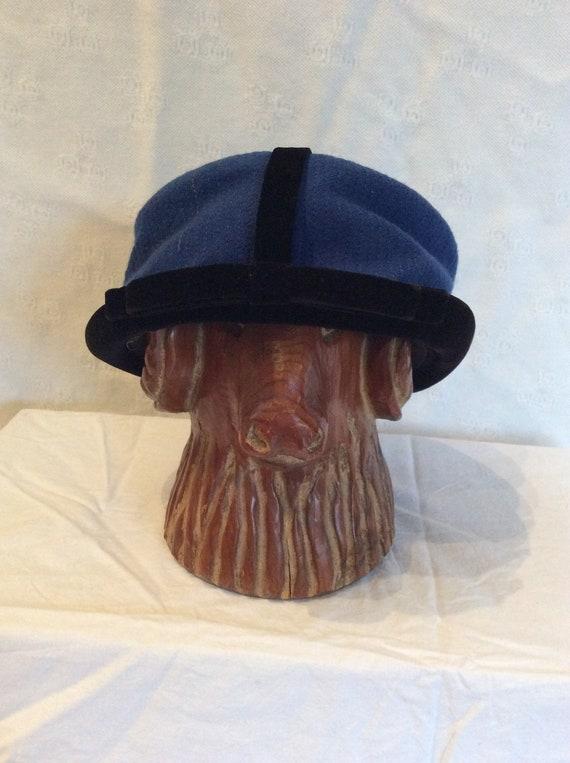 1950s Gottlieb Blue and Black Velvet Pillbox Hat - image 2