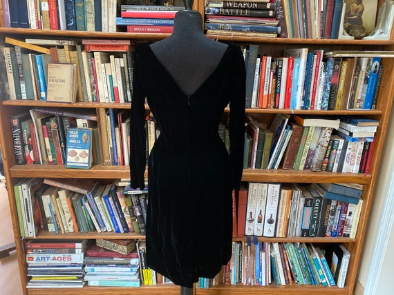 1960s Gigi Young Velvet Wiggle Dress - S - image 4