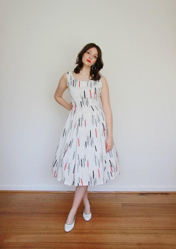 Vintage 1950s ATOMIC Novelty Print Dress / Full S… - image 3