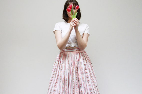 Vintage 1950s ROSE Full Skirt / 1950s Floral Borde