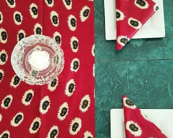Table Runner and Napkins, Red