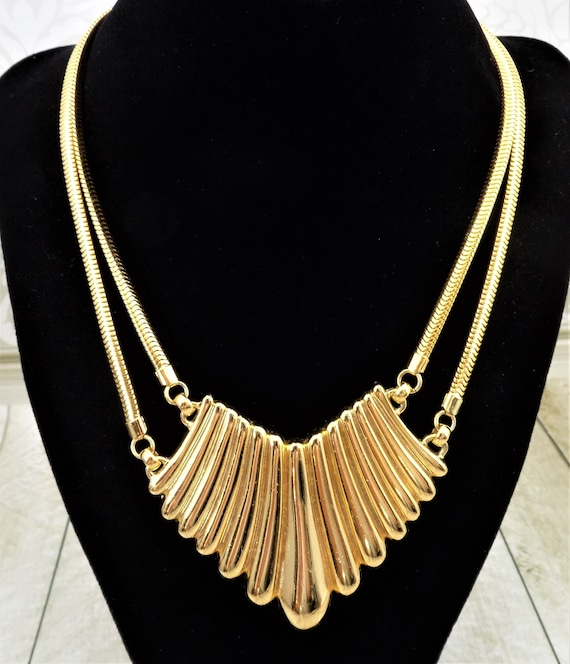 Napier Placque Necklace, Lobed Placque, Snake Bila