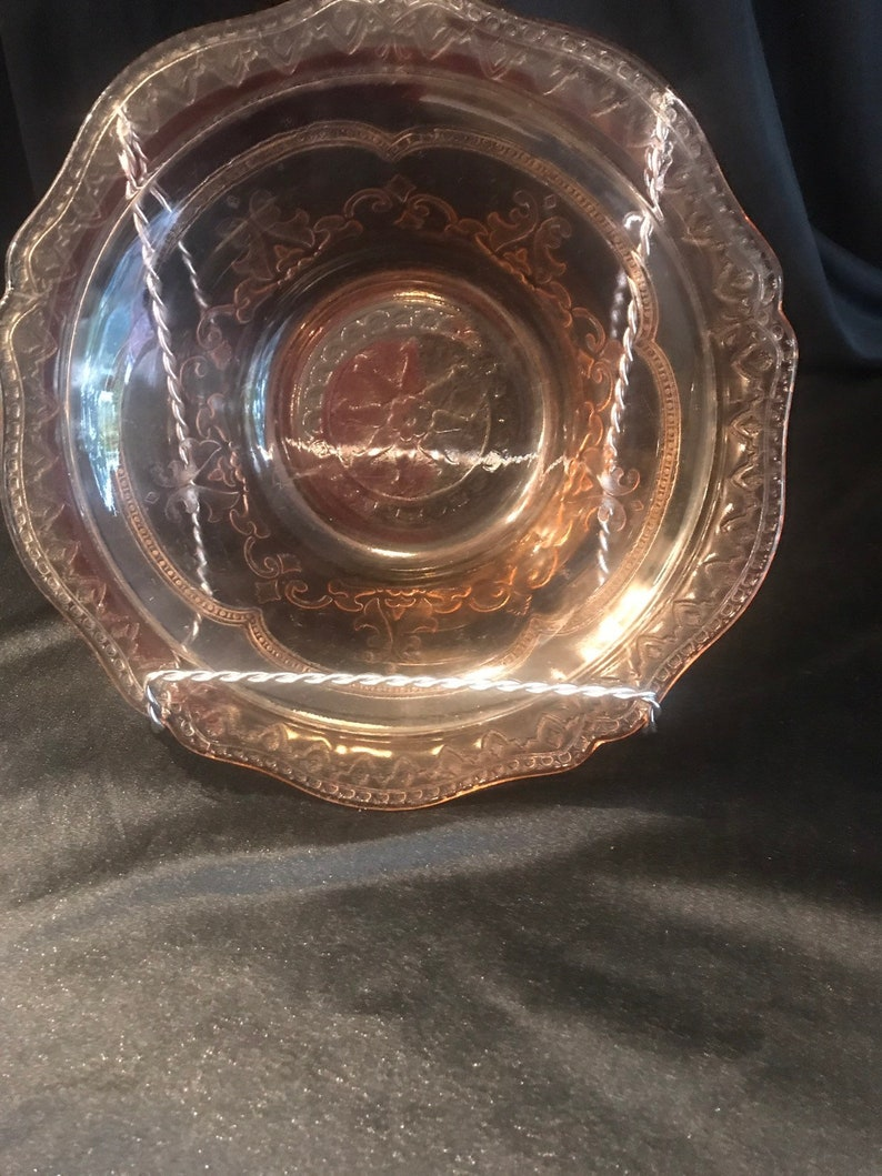 replacement federal molded glass scalloped Patrician Spoke pink depression large berry bowl Holiday tableware