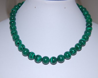 Malachite Necklace,Malachite Stone Necklace,8mm Beads,Gift,Green Necklace,Folk,Gift for Her,Woman,Classic Necklace