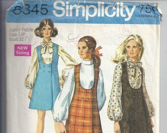 Simplicity 8345 Vintage 1960's Pattern Jumper and Blouse.  Bust 32