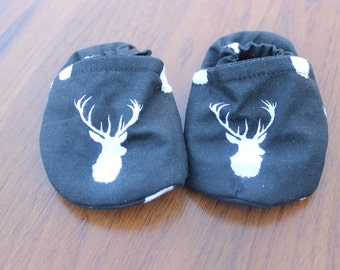 deer booties, cloth booties, baby booties, soft soled shoes, baby footwear, cloth moccasins, child shoes, deer, hunting