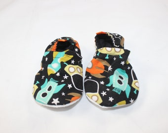 Space Station booties, cloth booties, baby booties, soft soled shoes, baby footwear, cloth moccasins, child shoes, tula accessories, rockets