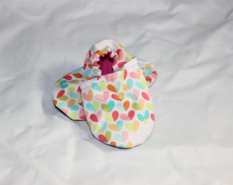 Love Bug Baby Booties, cloth booties, baby booties, soft soled shoes, baby footwear, cloth moccasins, child shoes