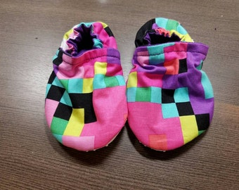 Matrix Geo Booties, cloth booties, baby booties, soft soled shoes, baby footwear, cloth moccasins, child shoes, tula accessories