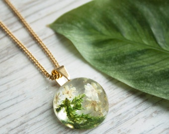 Real flower resin necklace on gold chain, Real moss necklace pendant, Pressed flower necklace birthday, Elegant nature jewelry for her