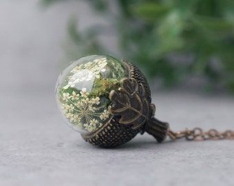 Brass acorn necklace charm, Glass terrarium necklace, Dry moss pendant with white Queen Annes lace, Real flower jewelry