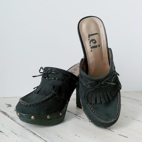 Vintage L.E.I. Clogs · Mules · Womens Shoes · 199… - image 1