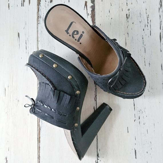 Vintage L.E.I. Clogs · Mules · Womens Shoes · 199… - image 6