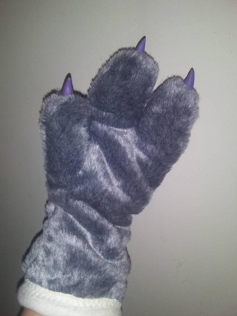 Dino paw /& Tail set
