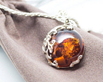 Round Amber Pendant Necklace, Baltic Amber Necklace, Amber Jewellery, Baltic Amber Pendant, Stone Pendant Amber and Sterling Silver Jewelry