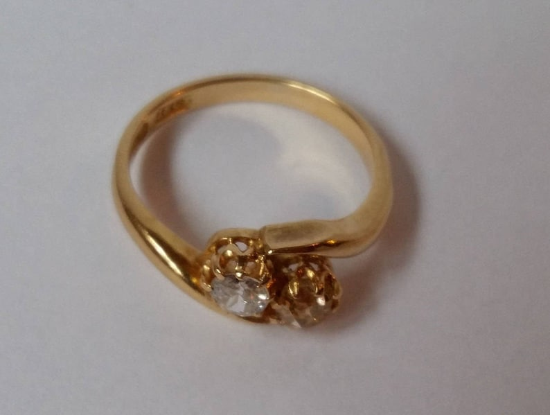 Ring Size USA 6.1 UK L 12 Engagement 18K Gold Antique Victorian White and Champagne Colored Diamond Cross-Over Ring Fancy Diamond