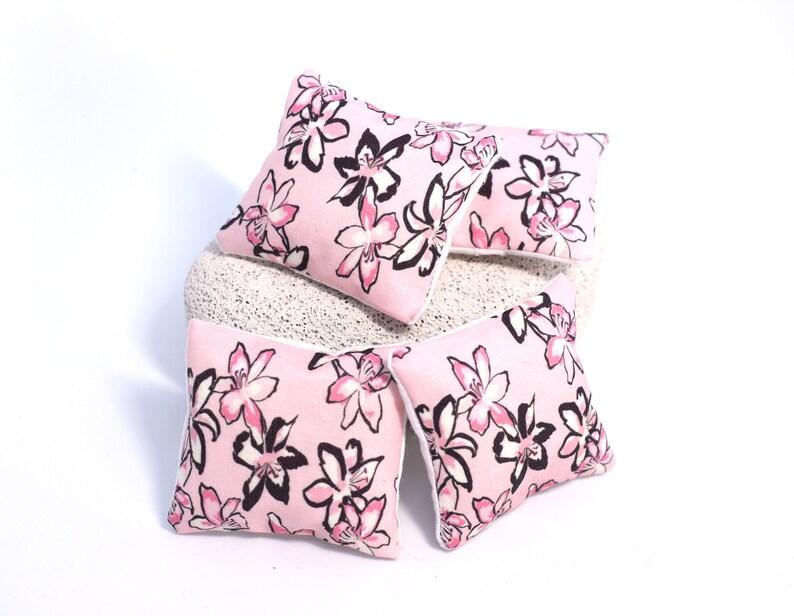 1//12 Dollhouse Miniature Floral Cushions Pillow Sofa Bedroom Accessory Blue