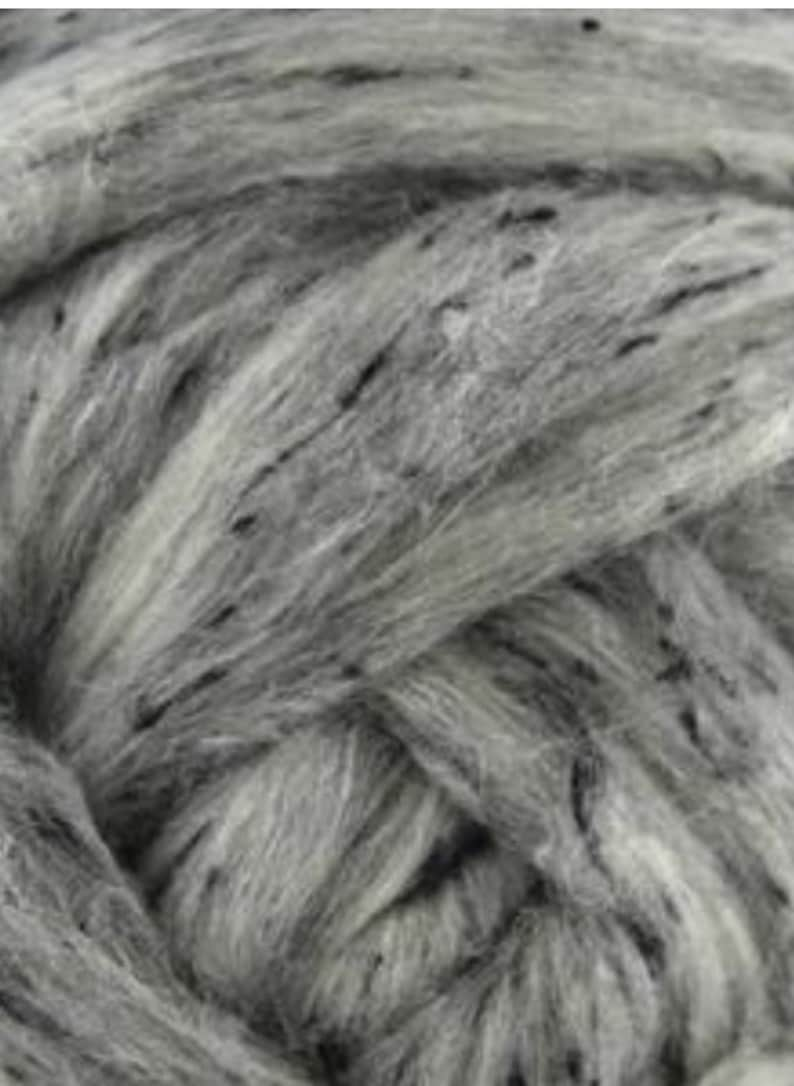 4 oz Grey Tweed Blend South American wool spinning fiber image 0
