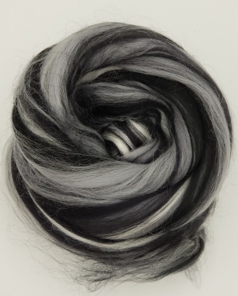 50 Shades 23 micron merino 4 oz braid combed top roving image 0