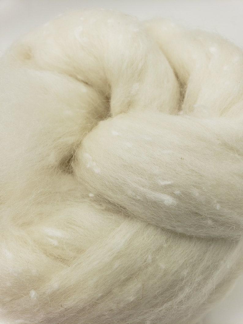4 oz White Tweed Blend South American wool spinning fiber image 0