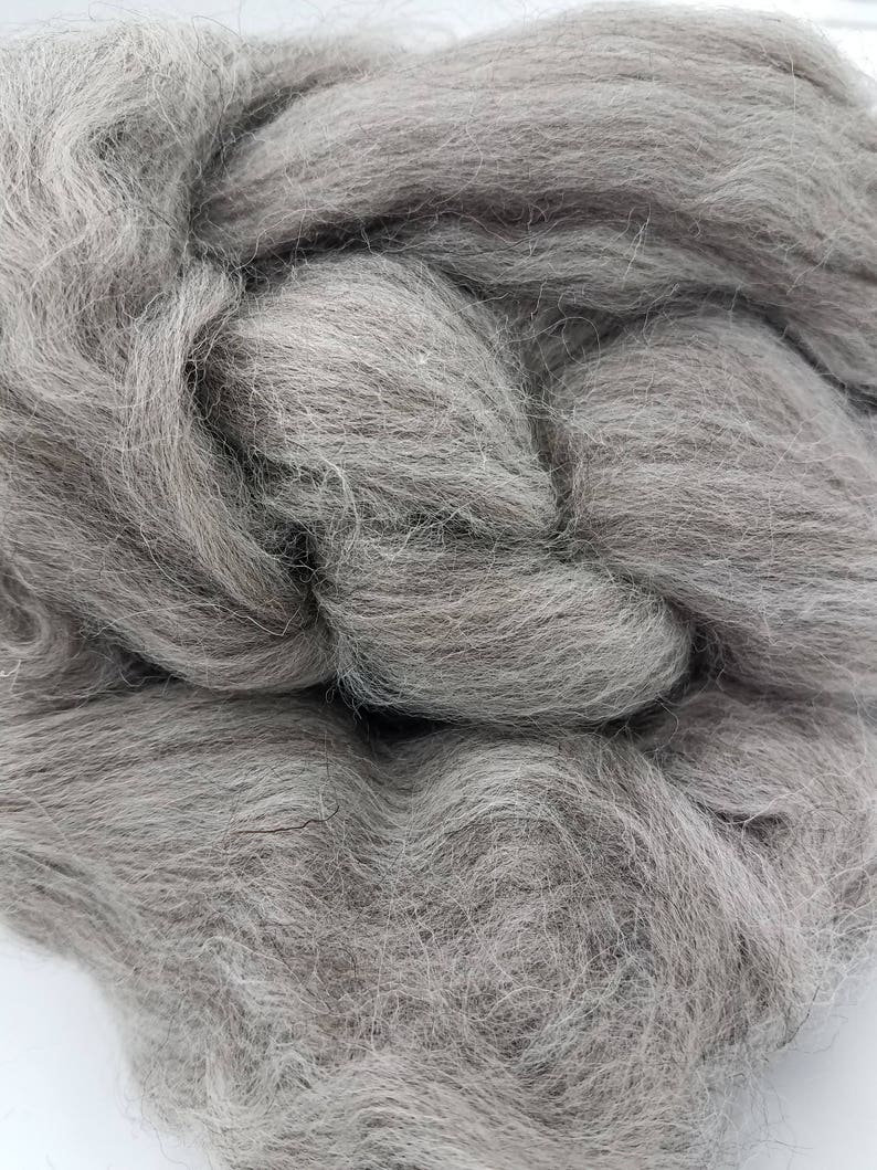 1 lb Grey Shetland combed top roving spinning or felting image 0