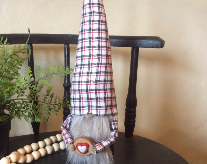 Sitting Gnome - red and black plaid
