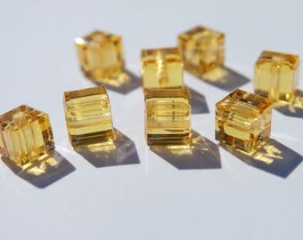 10 cubes 4 mm Topaz Swarovski