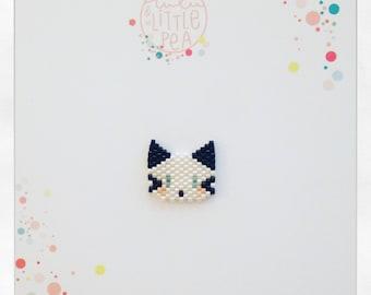 pins chat tissée en perles miyuki delica- ambiance noir et blanc -  tissage peyote
