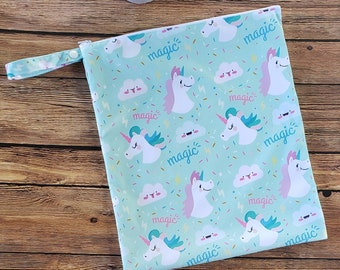 Large waterproof bag for washable sanitary napkins
