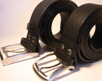 Very thick black leather belt