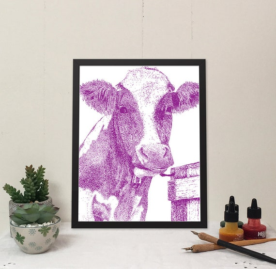 Moo-ilyn Moo-nroe in Violet Purple is a stylish cow that will brighten your wall and bring some fun to your home.