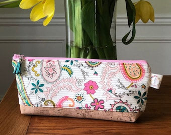 Essential Oil Pouch - Paisleys Forever Rosa