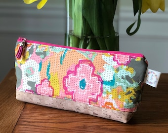 Essential Oil Pouch - Flowers Everywhere Caress