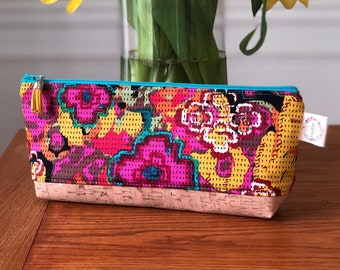 Essential Oil Pouch - Flowers Everywhere Intention