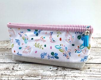 Zipper Pouch - Soft Flowers - Lola pouch