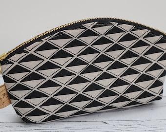 Petal Pouch - diamond linen - makeup bag