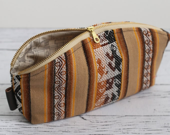 Petal Pouch - Aguayo Pouch Brown - Makeup bag