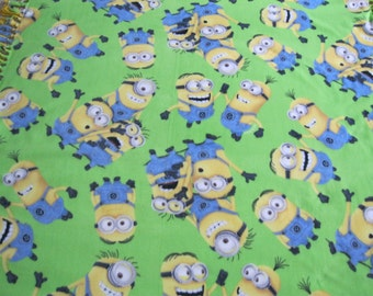 Minion Invasion XL fleece blanket