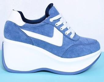 c5f970553986 90s Deadstock Platform Wedge Sneaker - Blue