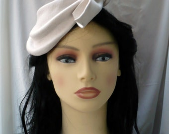 Vintage  Ivory White Plastic Woven Pillbox Hat by Julie Inc Detroit
